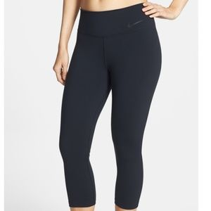 🆕Nike | Legend  Tight Fit Capris